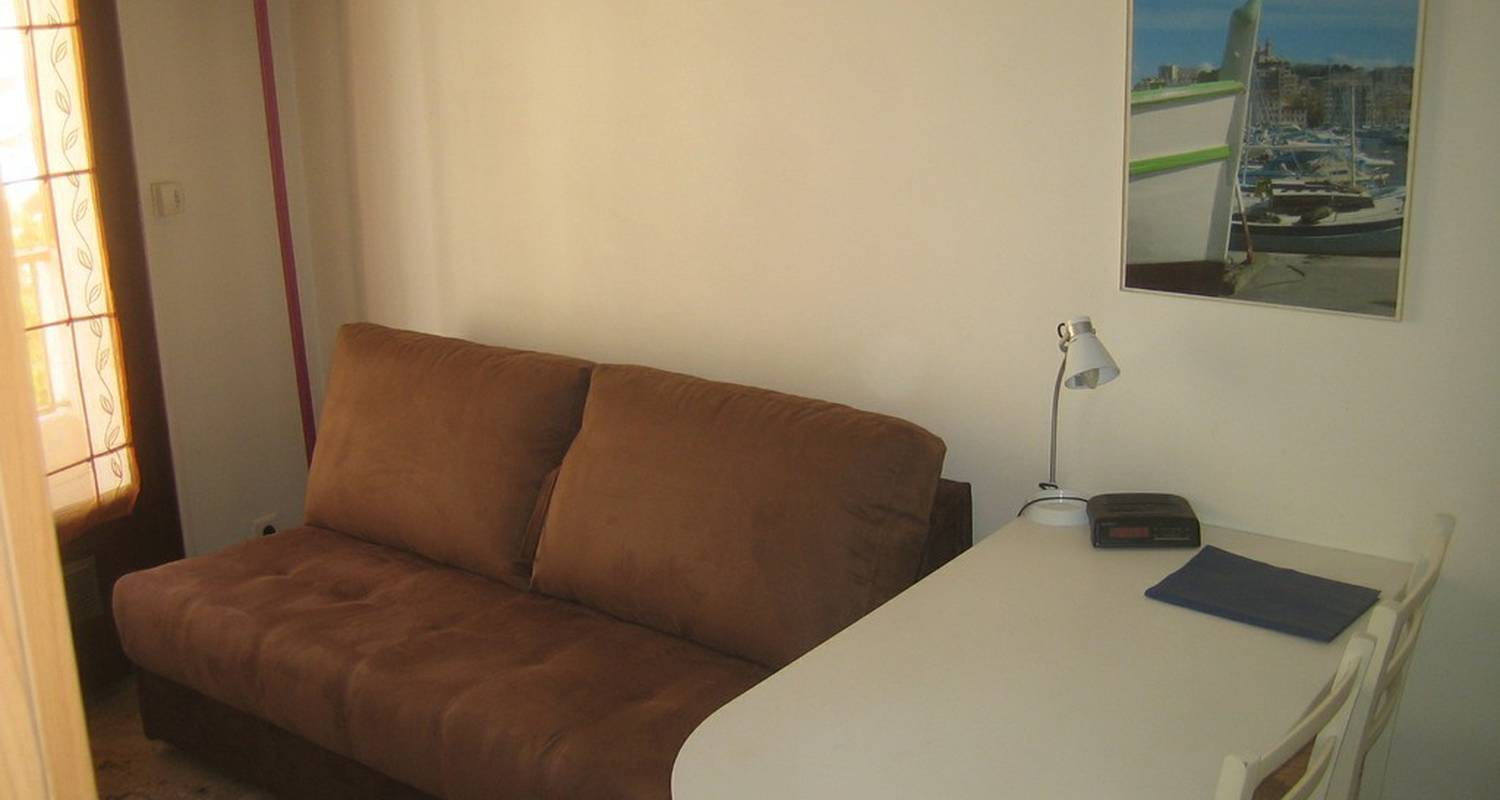 Furnished accommodation: studio meublé observatoire in marseille (110089)
