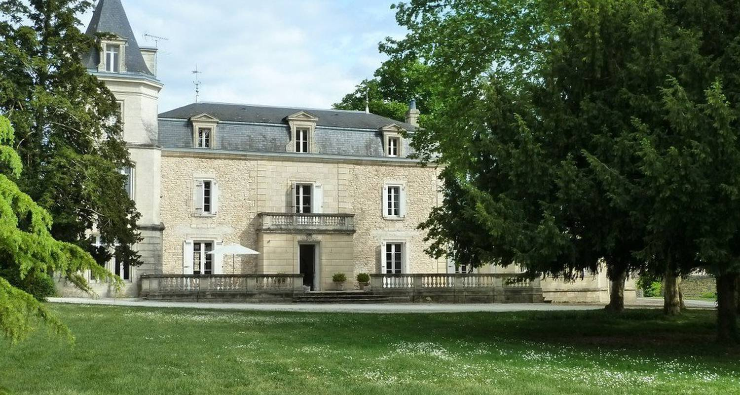 Bed & breakfast: château labrousse in saint-martin-lacaussade (110091)