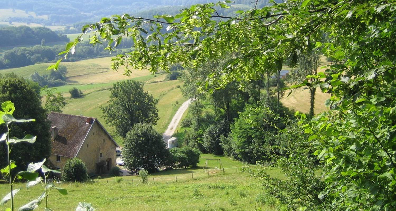 Emplacements de camping: la maison du haut à saint-lothain (110358)
