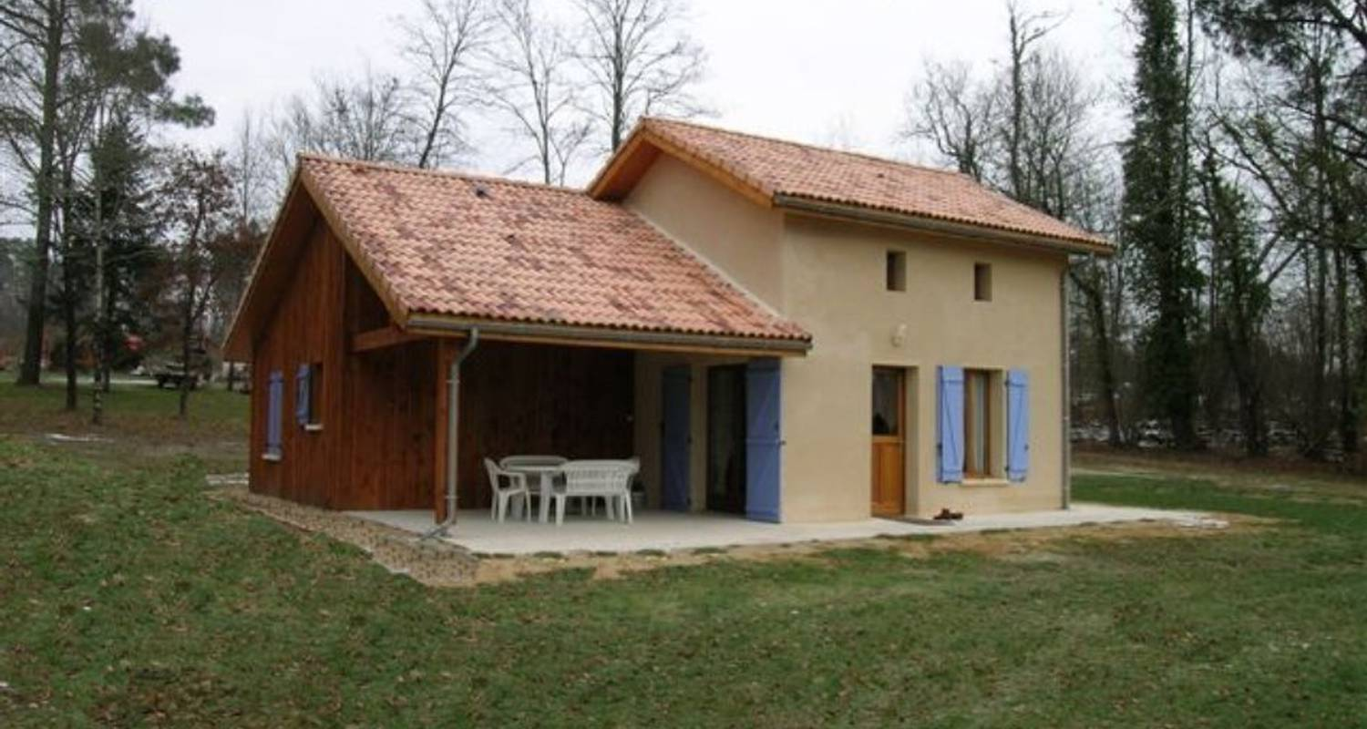 Furnished accommodation: gîtes de lutard in cercoux (110504)