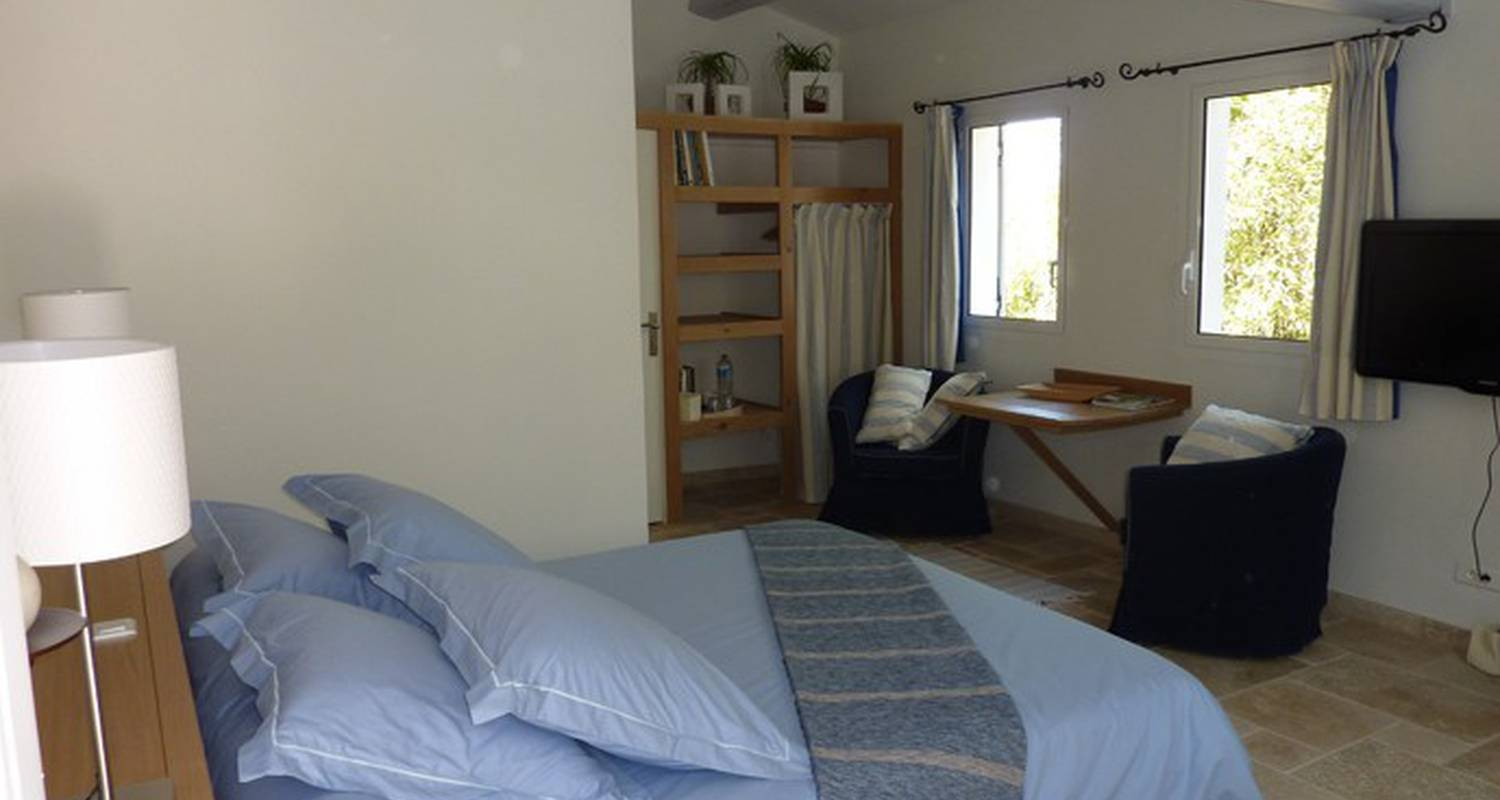 Bed & breakfast: home6 in saint-mandrier-sur-mer (110531)