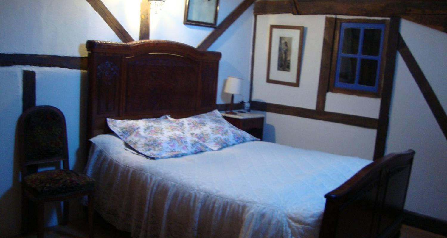 Bed & breakfast: au grenier de pompon in saulieu (110738)