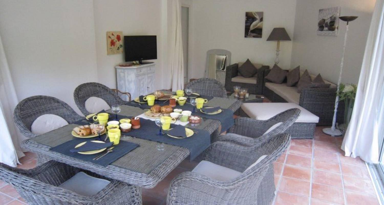 Chambre d'hôtes: la villa les hespérides à grimaud (111001)