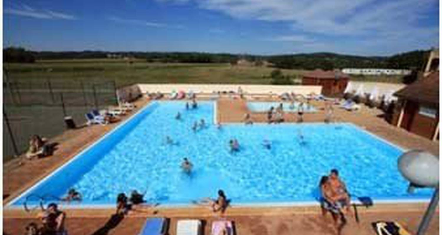 Camping pitches: camping de maillac in sainte-nathalène (111093)