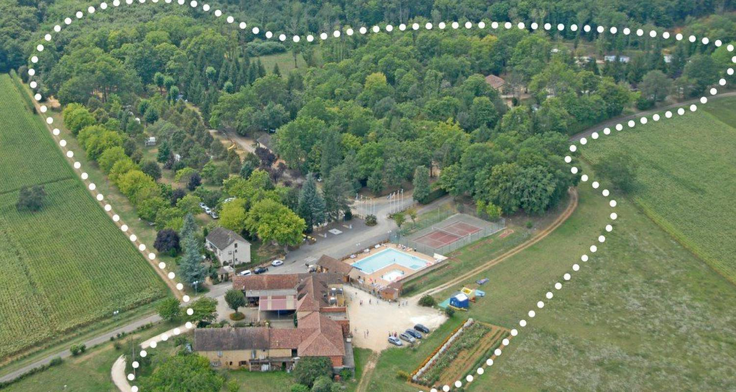 Camping pitches: camping de maillac in sainte-nathalène (111095)