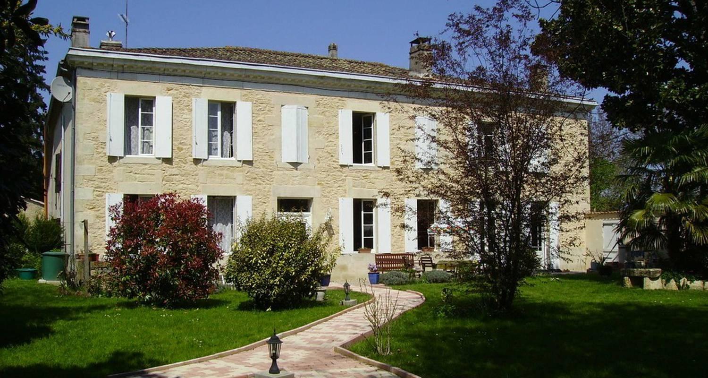 Chambre d'hôtes: le domaine de pérey à saint-martin-de-sescas (111297)