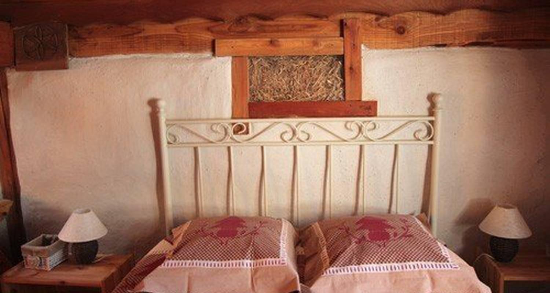 Bed & breakfast: brin de paille in saint-martin-de-queyrières (111361)