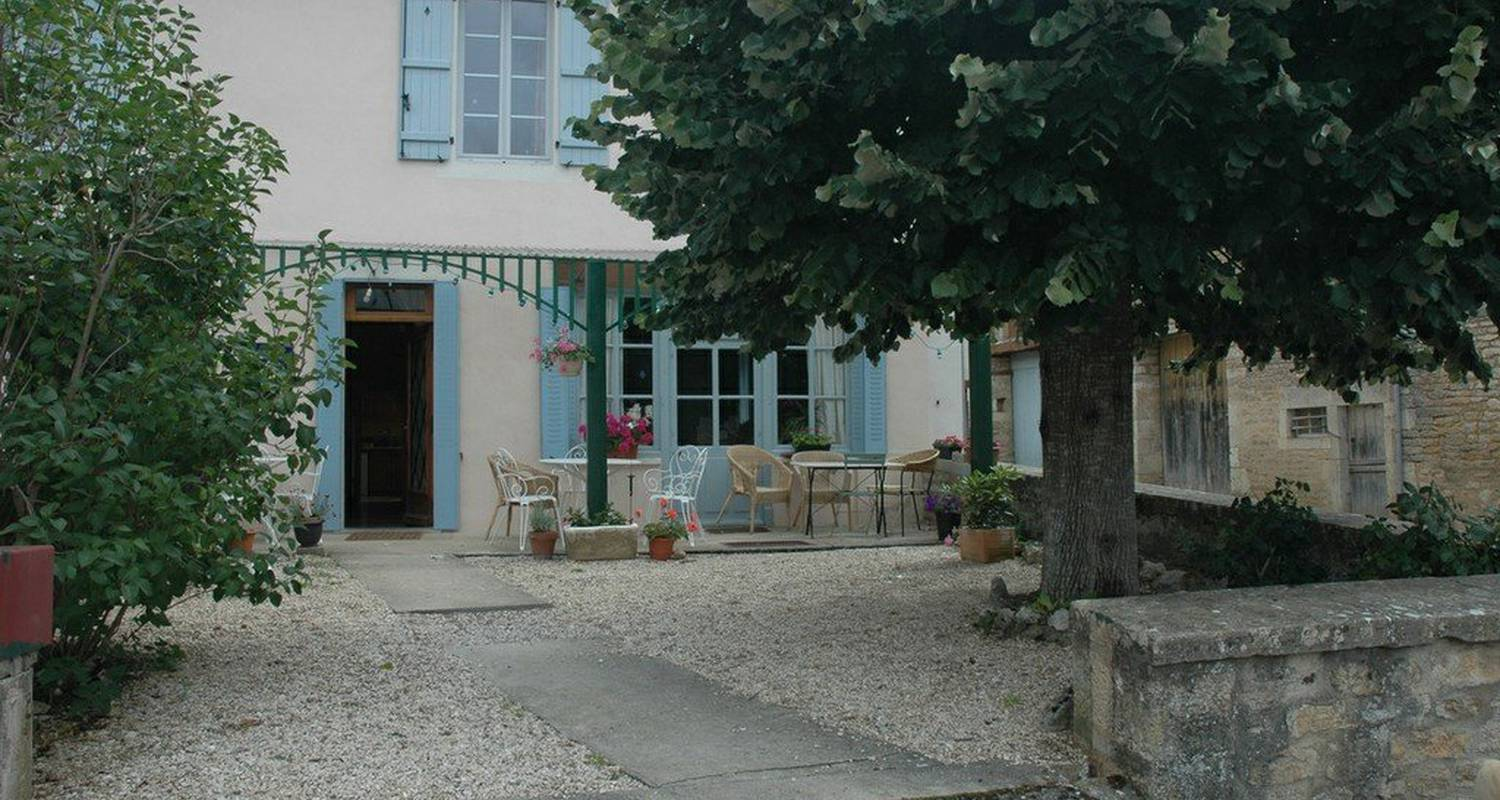 Bed & breakfast: la belle epoque in thenissey (111687)