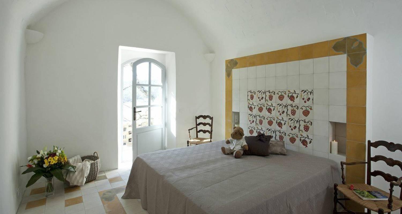 Logement meublé: château mentone à saint-antonin-du-var (111825)