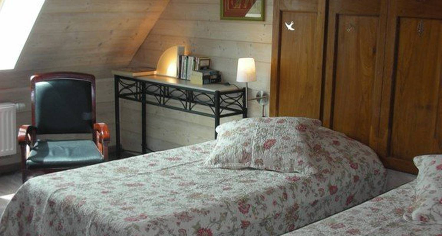 Bed & breakfast: la maison de martine in desingy (112027)