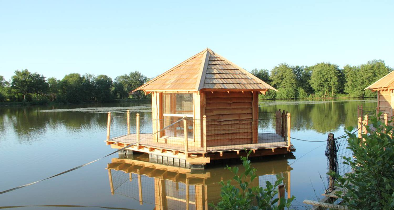 Camping pitches: cabane flottante in saint-paul-de-varax (112040)
