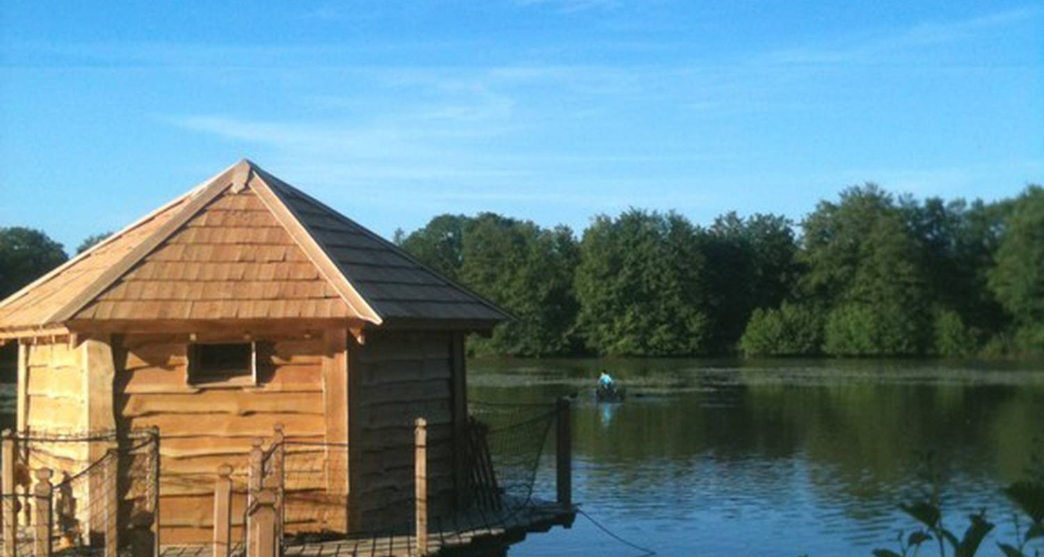 Camping pitches: cabane flottante in saint-paul-de-varax (112039)