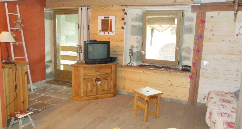 Logement meublé: le refuge de la ferme à saint-julien-en-genevois (112106)
