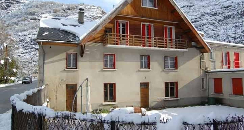 Logement meublé: location 8/12 personnes à le bourg-d'oisans (112347)