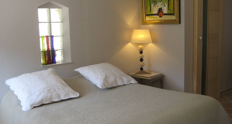 chambre d 39 h tes villaheda saint restitut 26563. Black Bedroom Furniture Sets. Home Design Ideas