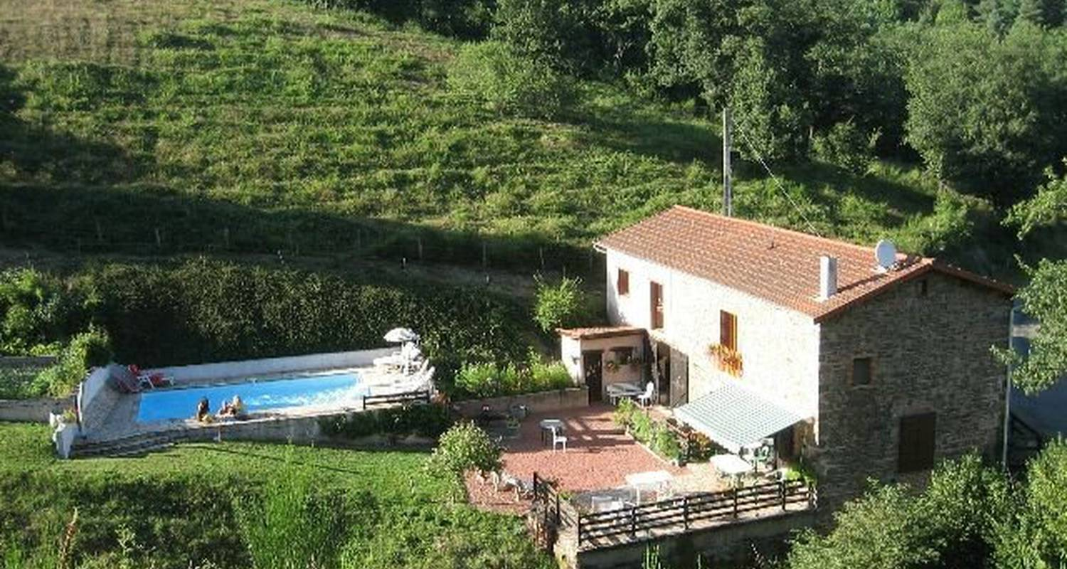 Bed & breakfast: chambres d'hotes des 3 pon in bully (112356)