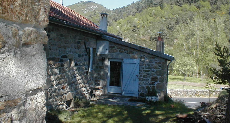Logement meublé: gite de deux eaux à saint-martial (112401)