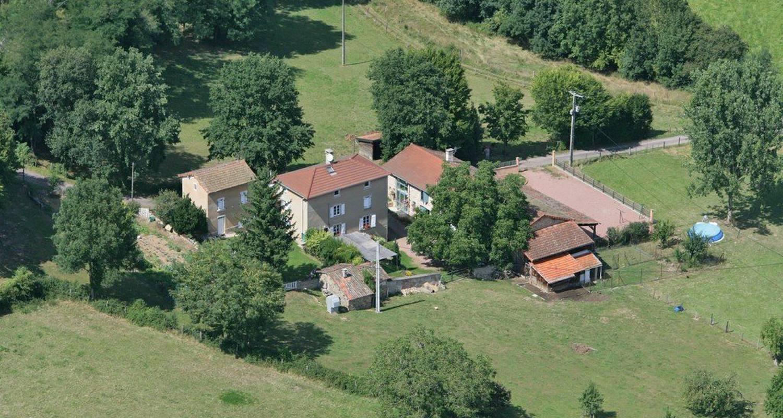 Chambre d'hôtes: la vache sur le toit à montagny (112503)