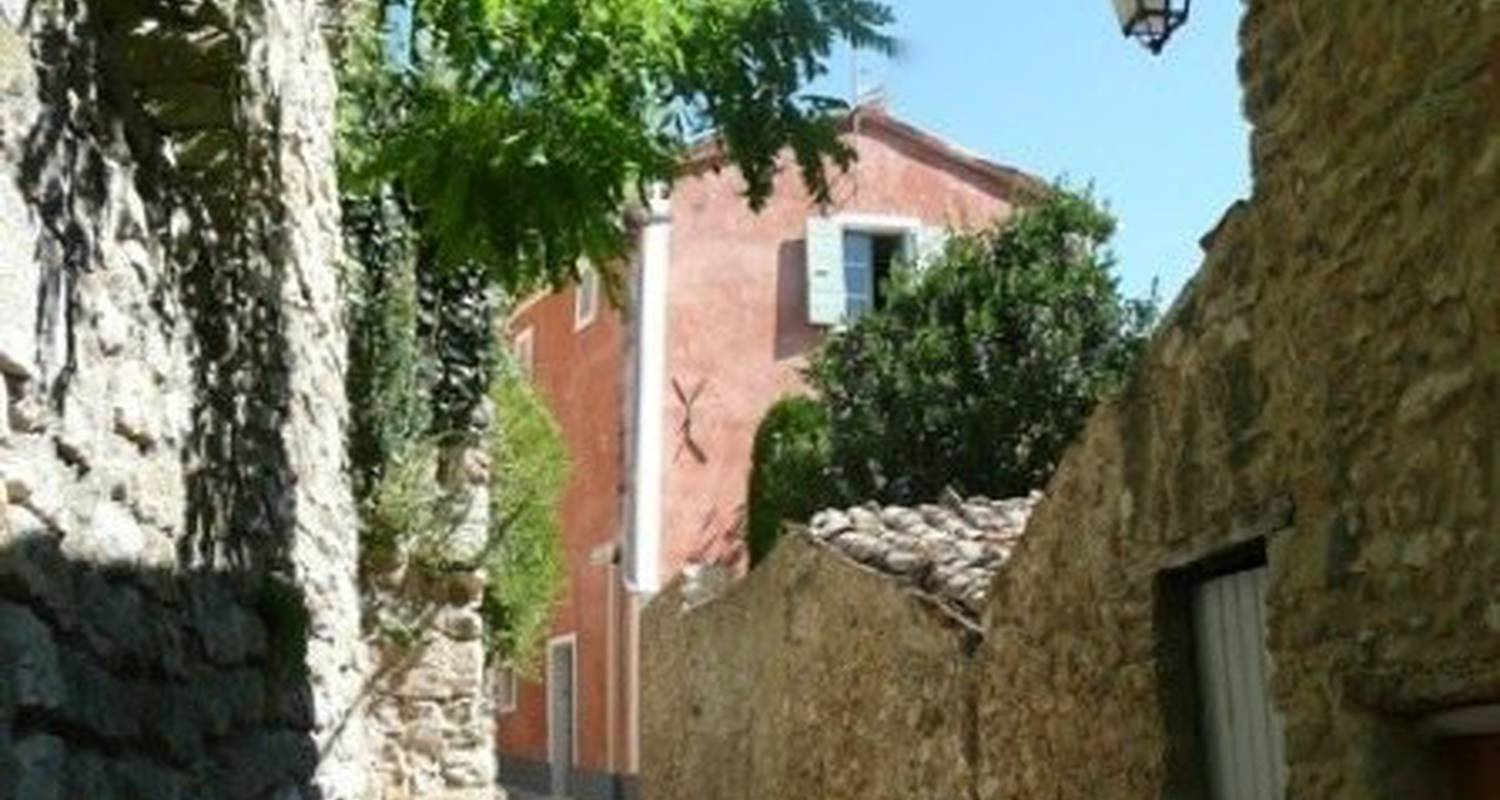 Furnished accommodation: petite maison de charme  in nyons (112504)