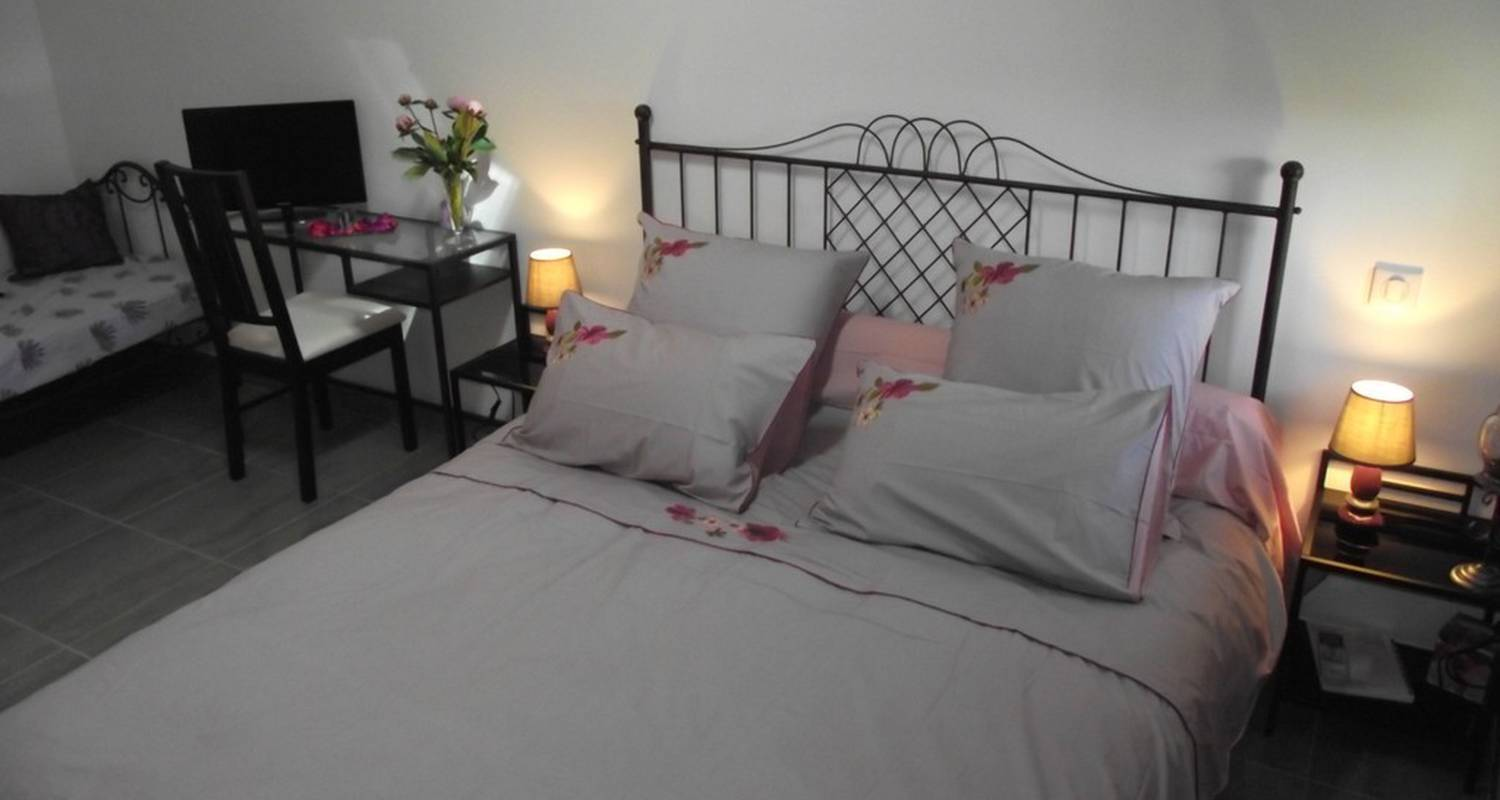 Bed & breakfast: le mas du moulin in vesseaux (112543)