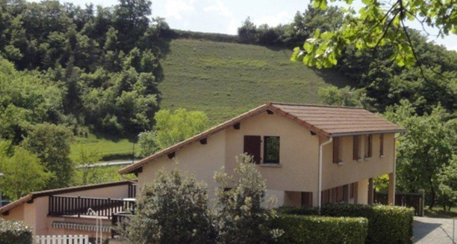 Camping pitches: camping la combe d'oyans in rochefort-samson (112557)