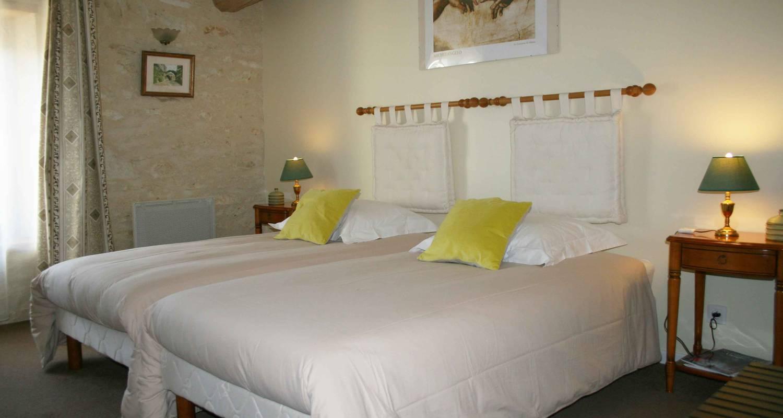 Bed & breakfast: chambre d'hôtes de la maricé in amberre (130045)