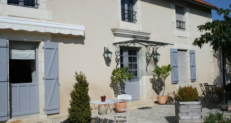 Bed & breakfast: chambre d'hôtes de la maricé in amberre (112611)