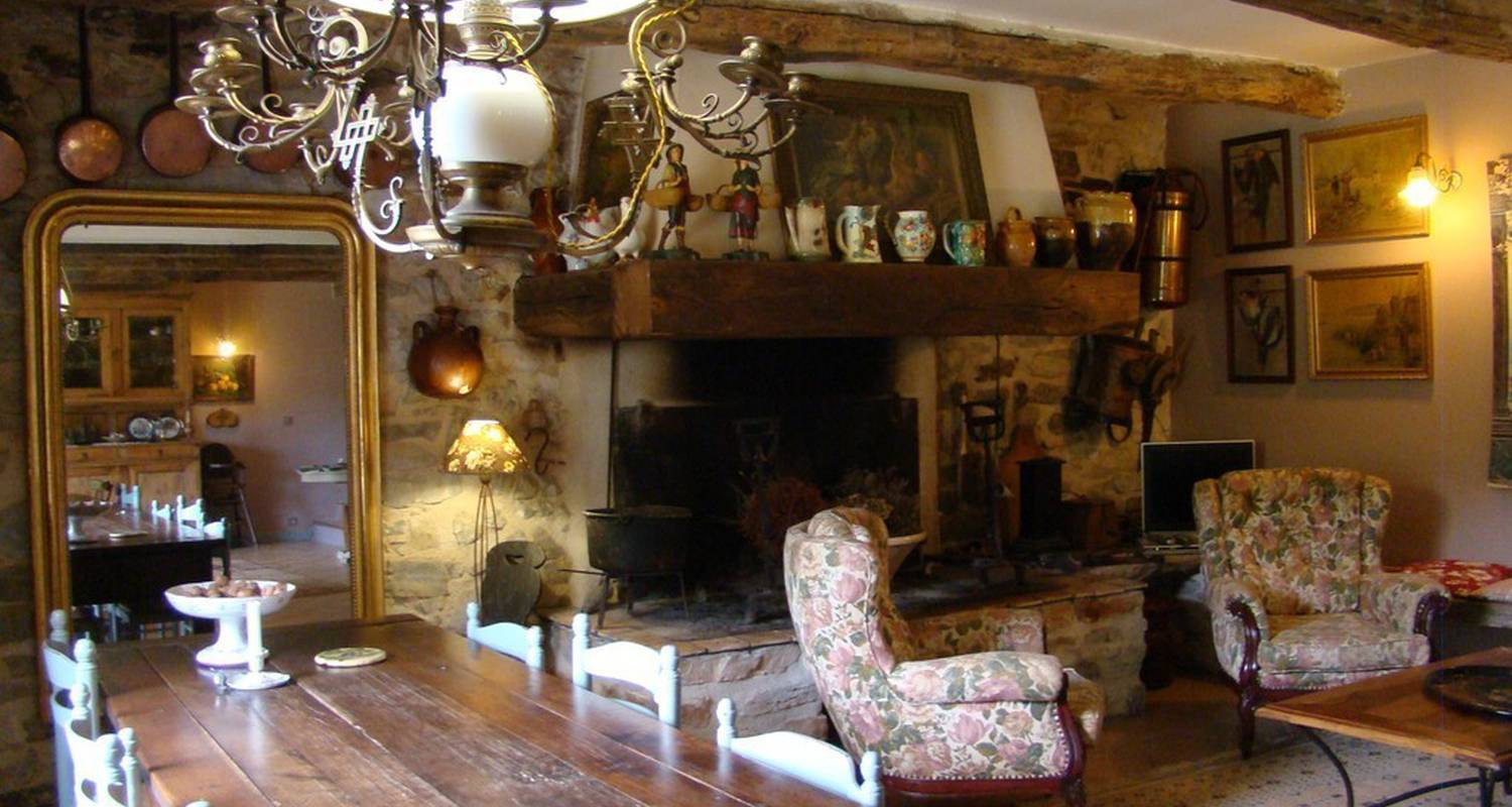 Bed & breakfast: nabat le haut in courniou (112735)