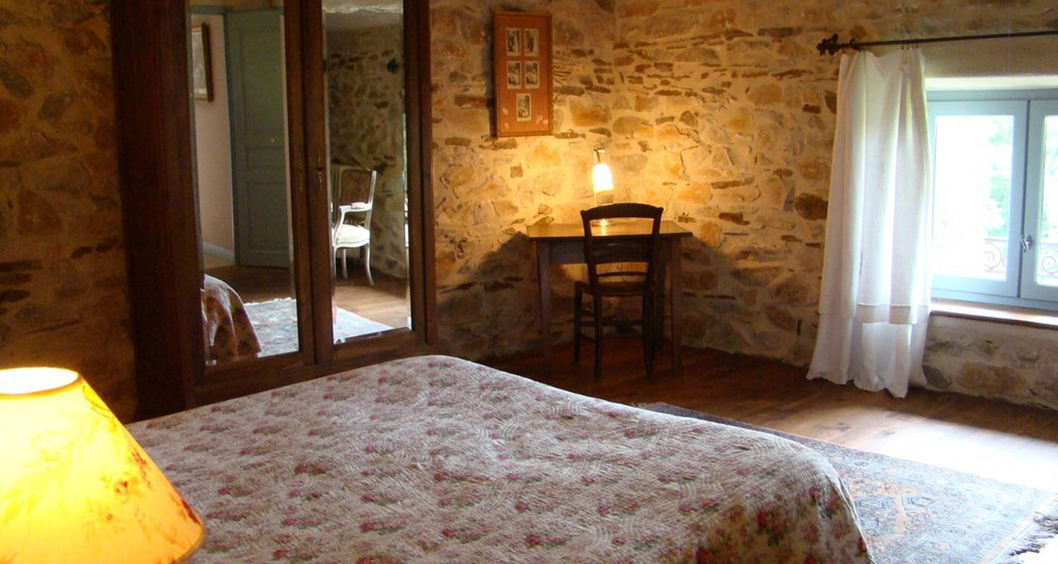 Bed & breakfast: nabat le haut in courniou (112736)