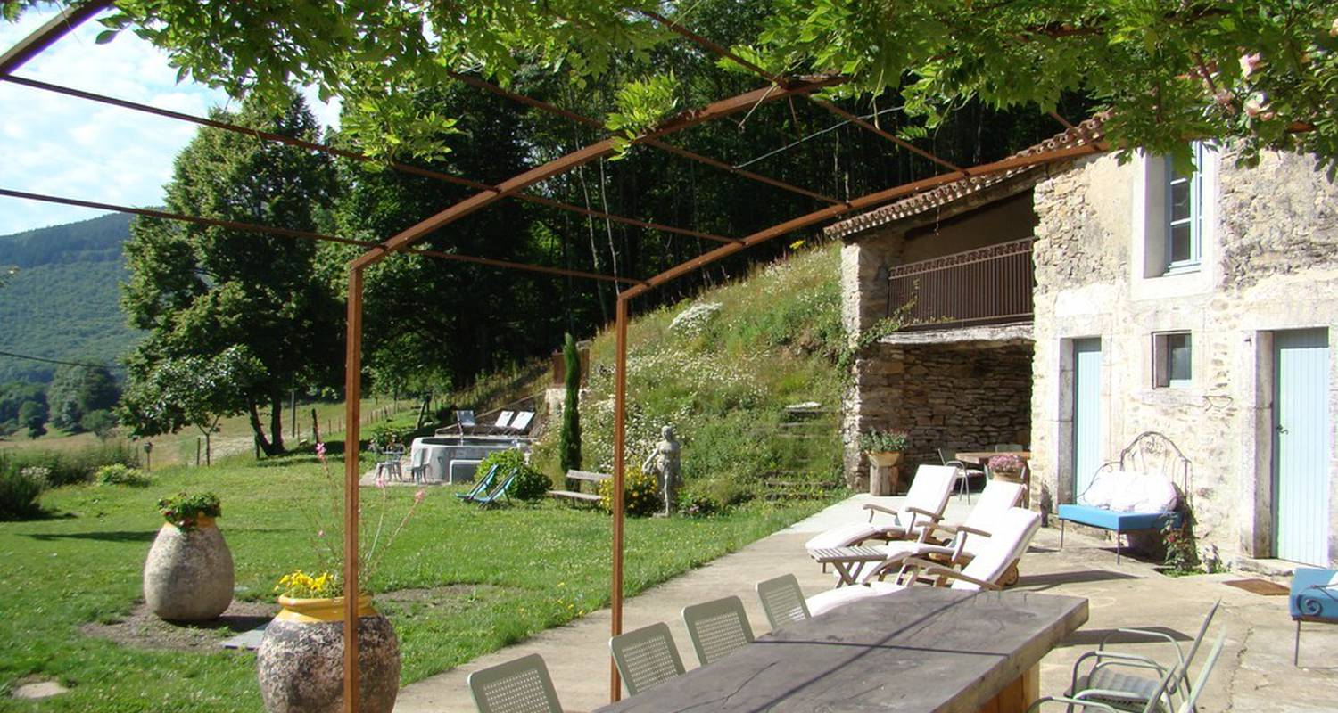 Bed & breakfast: nabat le haut in courniou (112737)