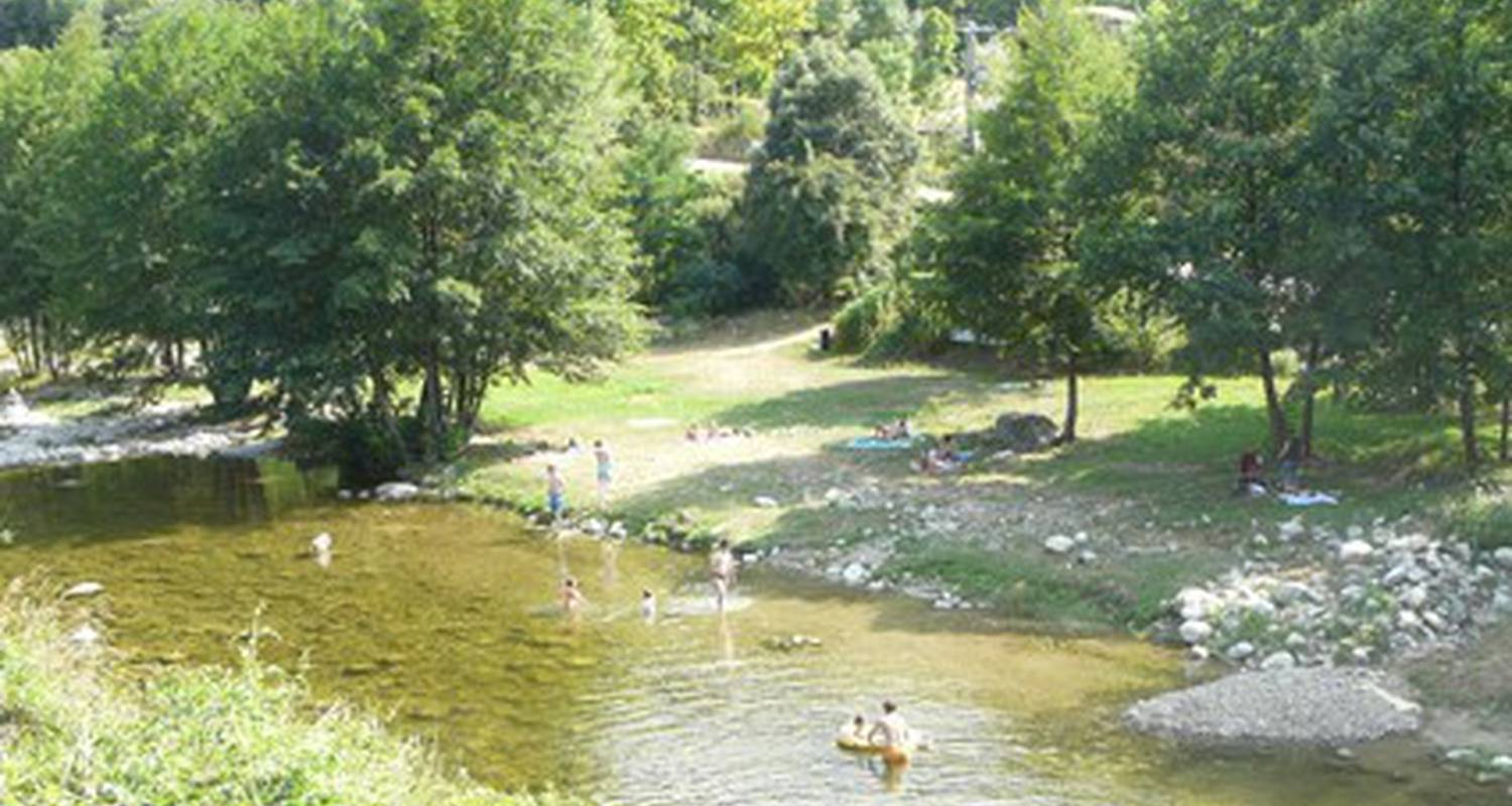 Camping pitches: relais des brison in beaumont (112946)