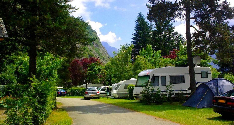 Emplacements de camping: camping la cascade à le bourg-d'oisans (113037)