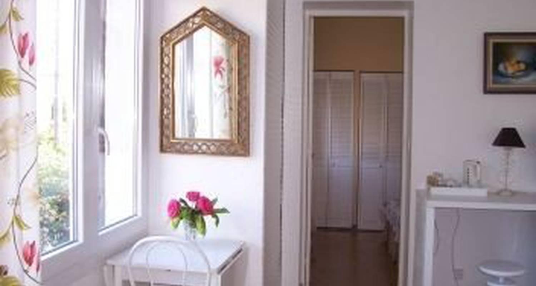 la cappelletta antibes 26944. Black Bedroom Furniture Sets. Home Design Ideas