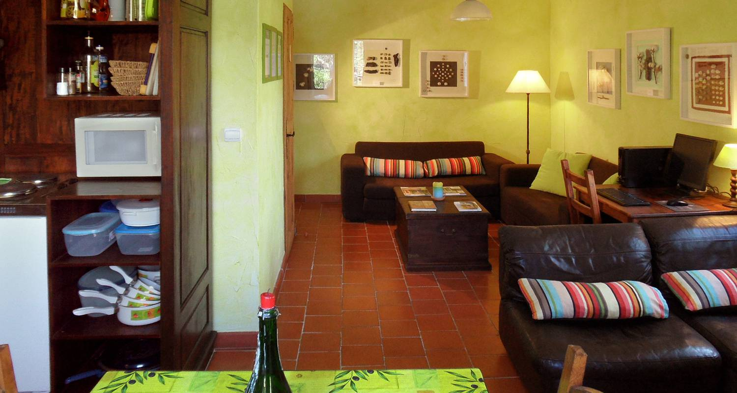 Bed & breakfast: la bastide des templiers (guest house set in picturesque countryside amidst lovely natural sceneries) in bras (132094)