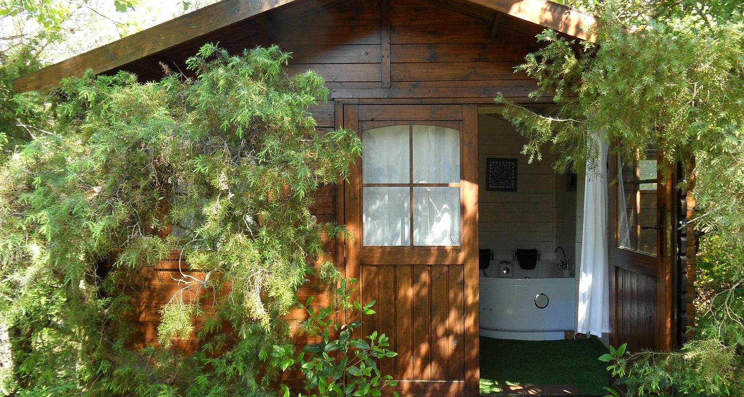 Bed & breakfast: la bastide des templiers (guest house set in picturesque countryside amidst lovely natural sceneries) in bras (132086)