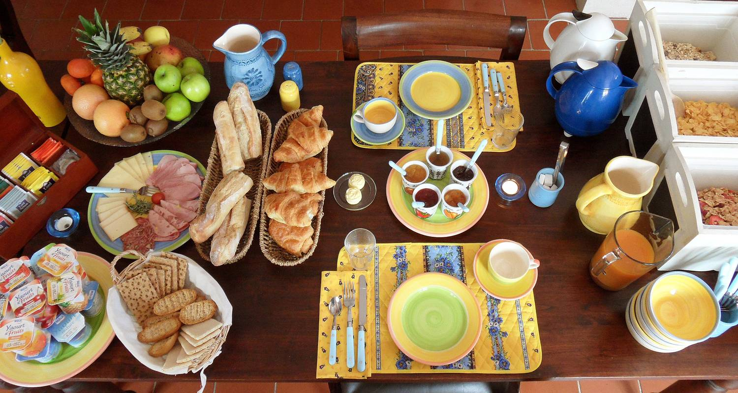 Bed & breakfast: la bastide des templiers (guest house set in picturesque countryside amidst lovely natural sceneries) in bras (132092)