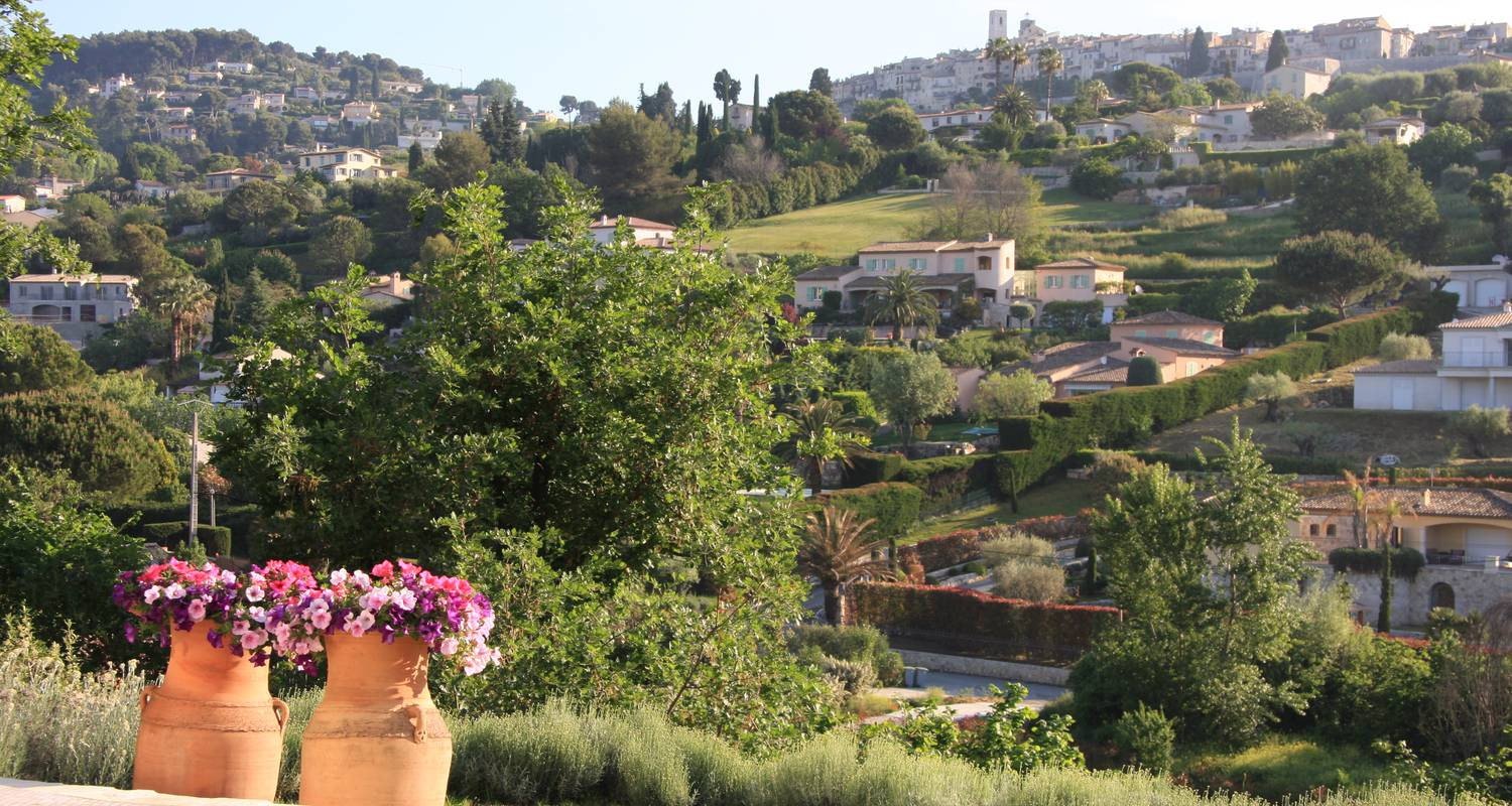 Bed & breakfast: le mas des amandiers in saint-paul-de-vence (124319)