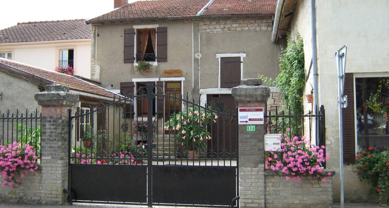 Chambre d'hôtes: chez monique  à doulaincourt-saucourt (114070)