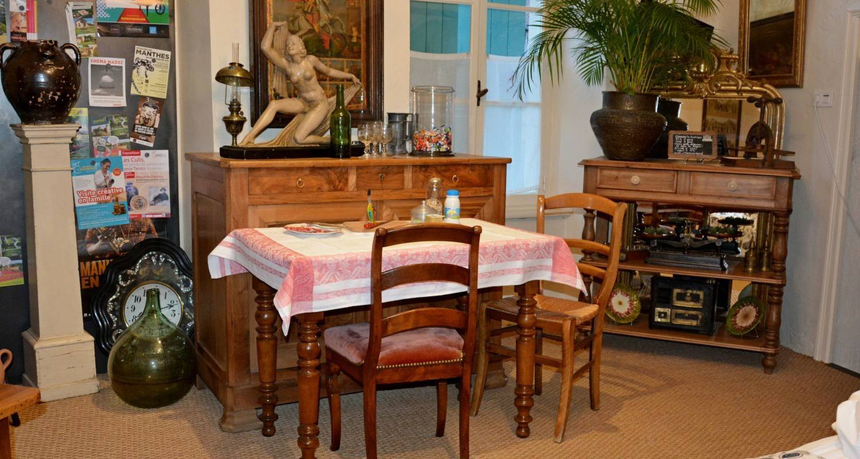 Bed & breakfast: chez l'antiquaire in hauterives (134049)