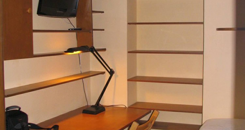 Logement meublé: petit studio proche centre  à reims (114119)