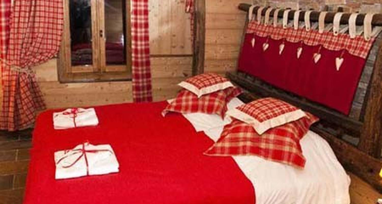 Bed & breakfast: aux grandes cours in villar-d'arêne (114728)