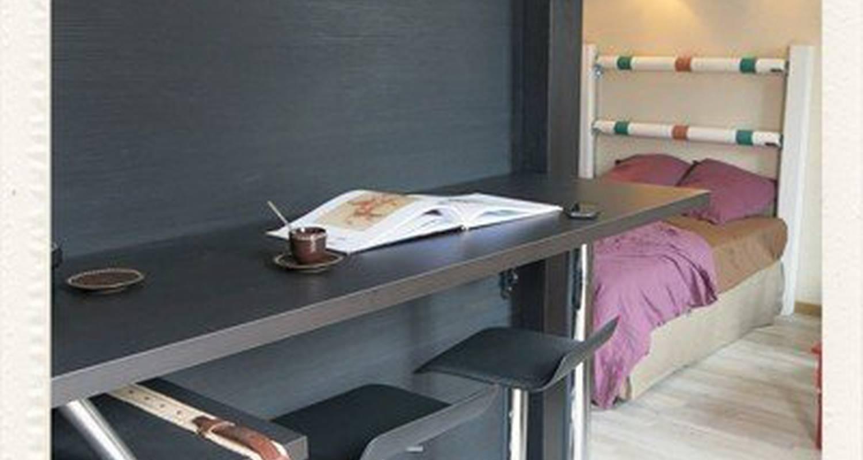 Logement meublé: le pied à l'etrier à chantilly (115031)