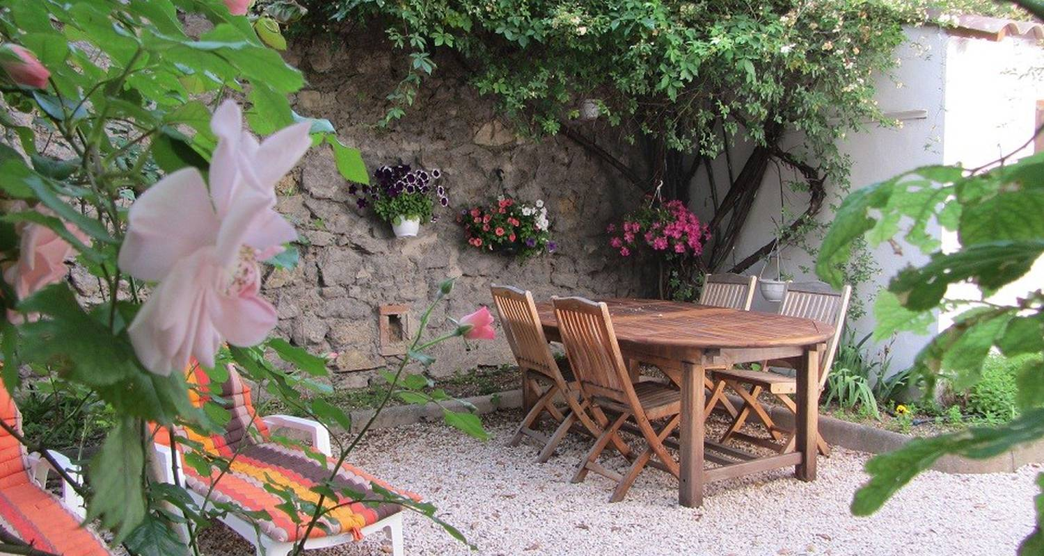 Bed & breakfast: la campagne dans la ville in marseille (115703)