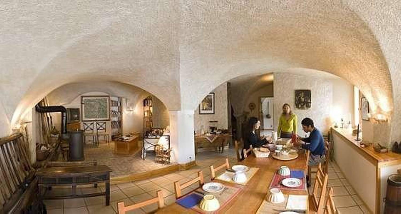 Chambre d'hôtes: la roche méane à villar-d'arêne (115848)