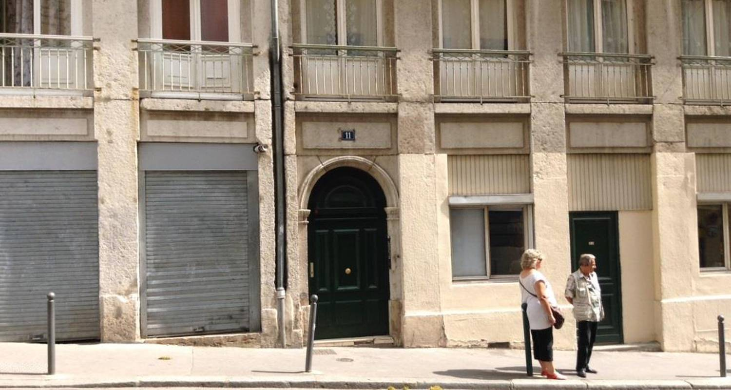 Furnished accommodation: les pentes in lyon (125031)