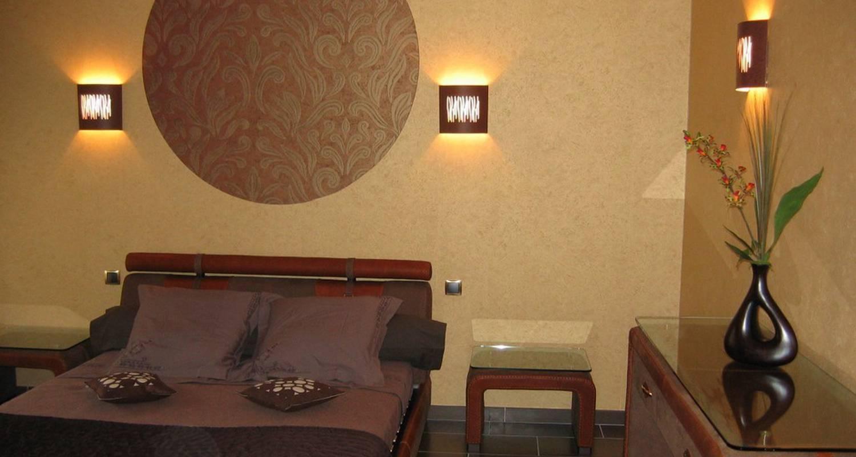 chambres trichet didier reims 27699. Black Bedroom Furniture Sets. Home Design Ideas