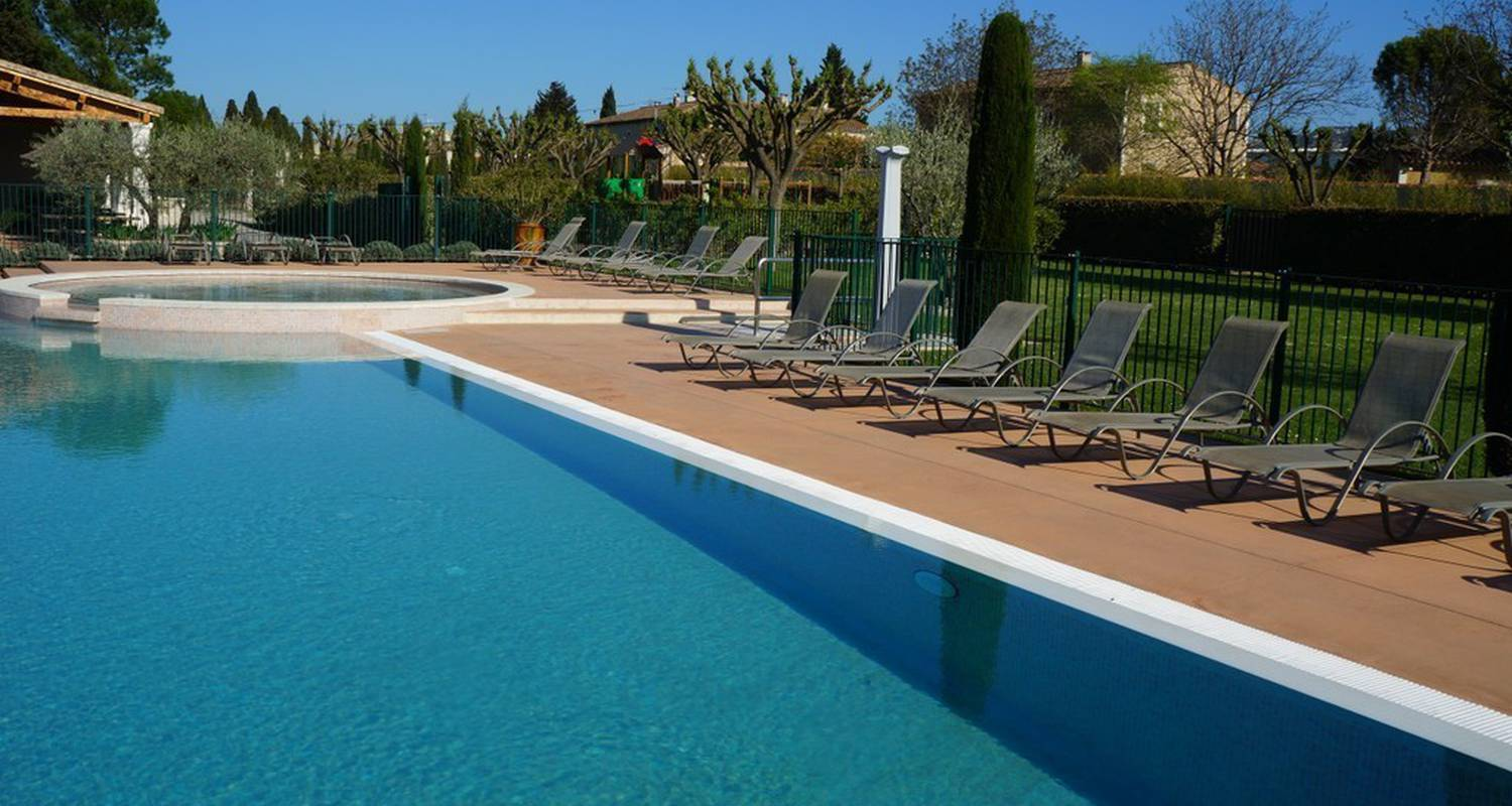 Camping pitches: camping monplaisir in saint-rémy-de-provence (116532)