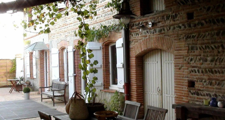 Chambre d'hôtes: briques et galets à fontenilles (118024)