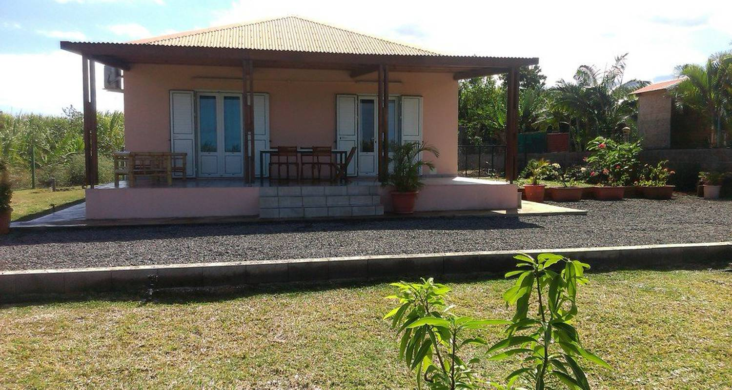 Furnished accommodation: fleur'paradis in saint-pierre (118885)