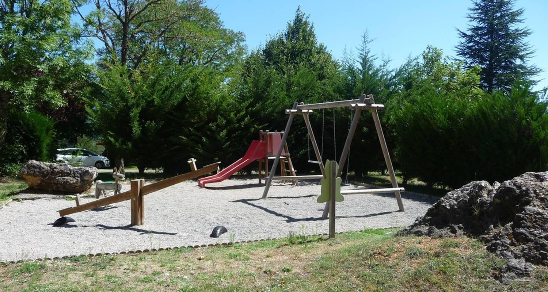 Camping pitches: aux portes du sauveterre in saint-rome-de-dolan (119054)